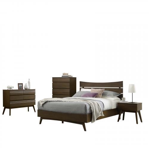 Everly 5 Piece Queen Bedroom Set in Walnut